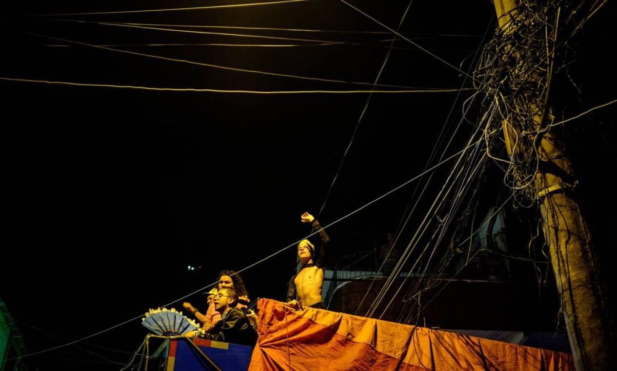 O som da festa ficou a cargo do trio elétrico Foto: YASUYOSHI CHIBA / AFP