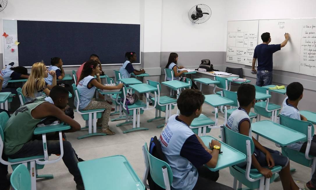 Brasil é o penúltimo em ranking internacional de investimento por aluno