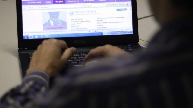Apenas 9% das mulheres que responderam à pesquisa acham atraente uma foto que mostra o pênis ereto Foto: Thiago Lontra / Agência O Globo