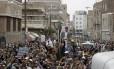 Seguidores do grupo xiita Houthi protestam na capital do Iêmen