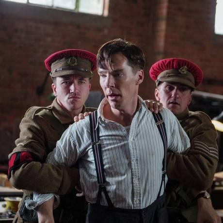 O ator britânico Benedict Cumberbatch em cena do filme 'The imitation game' Foto: Divulgação