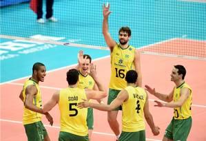 A seleção masculina tentará o tricampeonato olímpico nos Jogos do Rio Foto: FIVB / divulgação