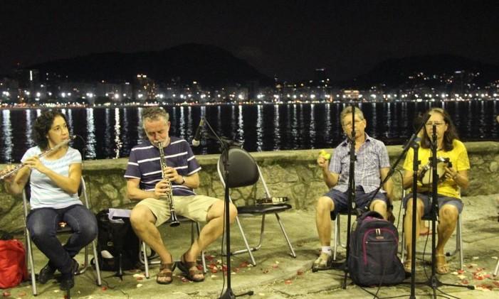 A roda de choro apresenta grandes sucessos do gênero musical duas vezes por mês Foto: Forte de Copacabana