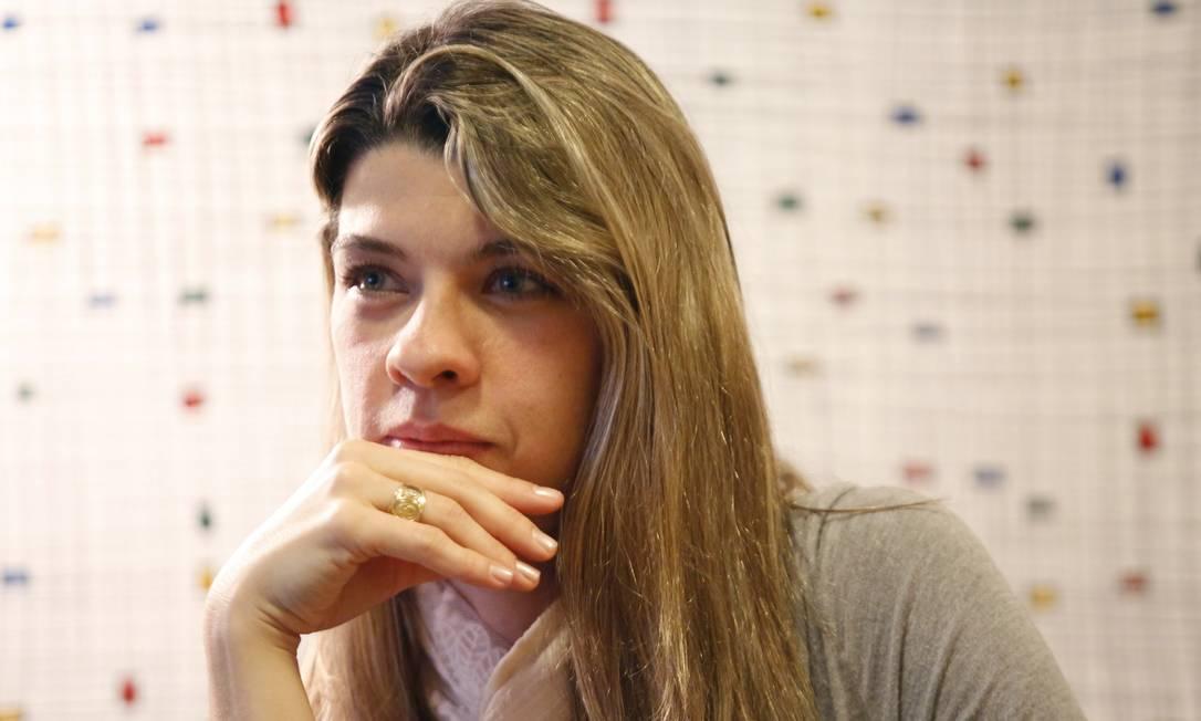 Erika Pallottino fala como o brasileiro deve encarar a goleada sofrida em casa e analisa essa expiriência para as crianças Foto: Ana Branco / Agência O Globo