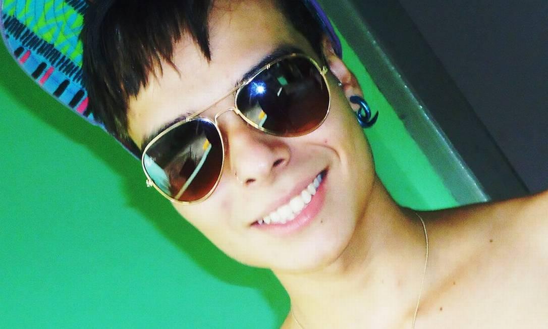João Antônio Donati foi assassinado ma madrugada da última quarta-feira. Desde o início das investigações, a polícia suspeita de homofobia Foto: Reprodução do Facebook