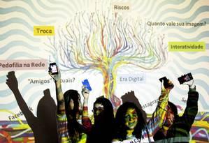 Estudantes durante uma aula de educação sexual no Colégio Sion, em Laranjeiras Foto: Gustavo Miranda