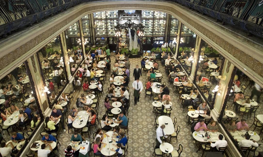 Confeitaria Colombo comemora 120 anos com festa recheada de sabores a partir de segunda