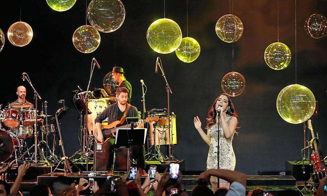 Anitta. 'O amor e o poder', sucesso de Rosana, e a sua 'Show das poderosas' Foto: O Globo / Daniela Dacorso