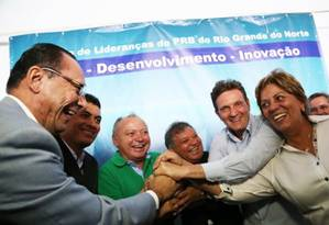 Crivella na posse de Lincoln (de verde) como presidente do PRB-RN, em 2013 Foto: Reprodução do site do PRB/Marlio Forte / Agência O Globo