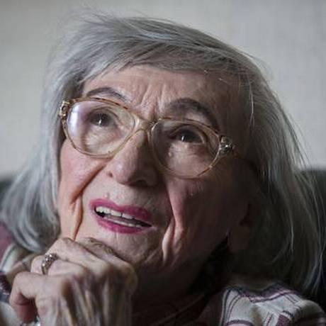 Aos 96 anos, Margot Wölk decidiu revelar como era a vida de provadora oficial de refeições de Hitler Foto: AP