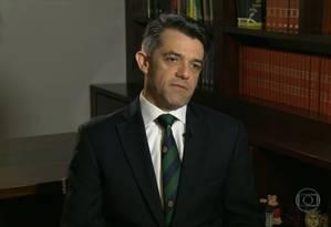 Advogado Carlos Alberto Pereira da Costa foi solto por ter colaborado espontaneamente com as investigações Foto: Reprodução TV / Agência O Globo