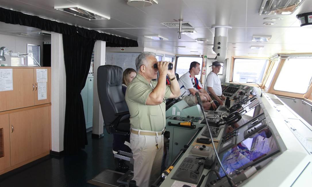 Passadiço, local de controle do navio Foto: Domingos Peixoto / Agência O Globo