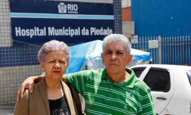 O casal Maria do Socorro das Neves e Argemiro Souza Peitudo Foto: Alexandre Cassiano / Agência O Globo