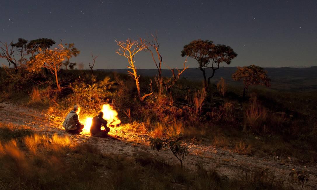 Revolução social: ao quebrar a escuridão, fogueiras teriam aberto novos espaços e tempos para interação entre membros das tribos Foto: Flavio Forner
