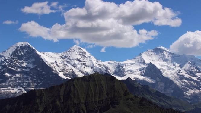 b5f1f85dd24 Tênis e chocolate aos pés das montanhas Eiger