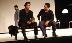 Além de Brichta, a comédia ainda conta com os atores Claudio Gabriel e Marcelo Flores no elenco Foto: Divulgação / André Wanderley