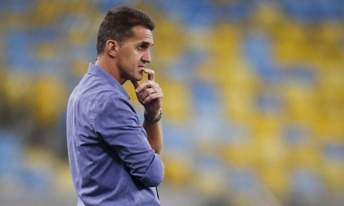 O técnico Vágner Mancini espera que uma boa campanha na reta final da Copa do Brasil ajude o Botafogo no Brasileiro Foto: Guito Moreto / O Globo
