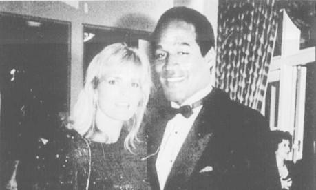 O. J. Simpson e sua esposa Nicole Brown, assassinada por ele Foto: Arquivo
