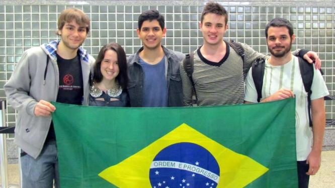 Seleção brasileira ganhou duas medalhas de ouro e uma de prata Foto: Picasa / Divulgação/OBM