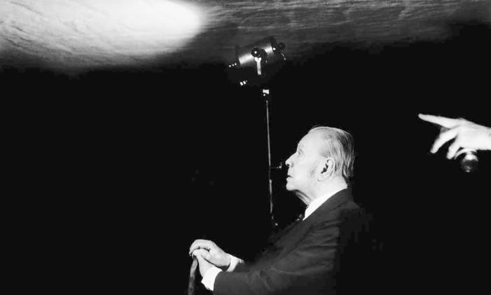 """O retrato do escritor argentino Jorge Luis Borges foi feito durante as gravações do documentário """"Borges para milhões"""" e é a fotografia que despertou no artista o desejo de registrar autores Foto: Daniel Mordzinski"""