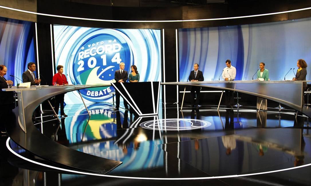 Debate entre os candidatos à Presidência da República na TV Record em São Paulo Foto: Fernando Donasci / O Globo