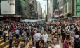 Ativistas pró-democracia ocupam o distrito Kowloon em Hong Kong
