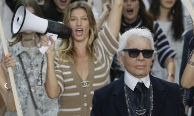 Chanel primavera/verão 2015 Foto: GONZALO FUENTES / REUTERS