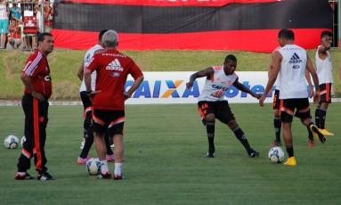 Jogadores do Flamengo treinam em Natal Foto: Agência O Globo