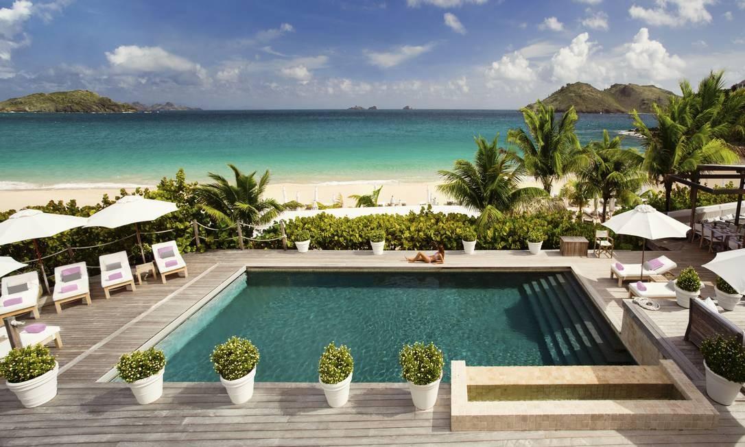 A piscina do Hôtel St-Barth Isle de France será reaberto com a grife Louis Vuitton, no Caribe Foto: Pierre Carreau / Divulgação