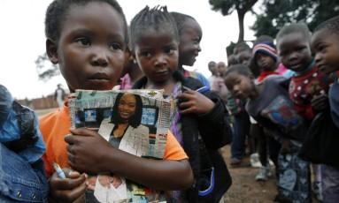 Alunos de uma escola comunitária na cidade de Kitwe, no Norte da Zâmbia, onde a maioria da população vive abaixo da linha de pobreza Foto: Jean-Claude Coutausse / Bloomberg News