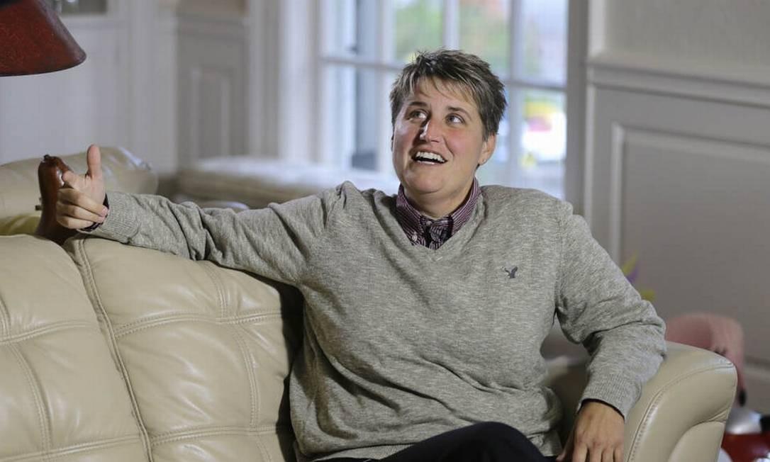 Jennifer Cramblett foi entrevistada nesta quarta-feira na casa de seu advogado em Waite Hill, Ohio Foto: Mark Duncan / AP Photo
