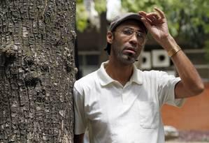 O auxiliar de enfermagem Fábio Paulo participa da pesquisa: um comprimido por dia para reduzir risco Foto: Gustavo Miranda / Agência O Globo