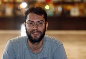 Ângelo Defanti é o diretor do documentário sobre o tabloide carioca Foto: Fernando Frazão/O Globo