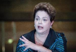 A presidente Dilma Roussef, candidata pelo PT à reeleição, em coletiva no Palácio da Alvorada Foto: André Coelho / O Globo