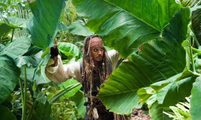 Johnny Depp como Jack Sparrow, protagonista da saga Foto: Divulgação/IMDb