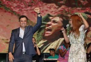 O presidenciável Aécio Neves durante culto evangélico em São Gonçalo, no Rio, no início de setembro Foto: Márcio Alves / O Globo