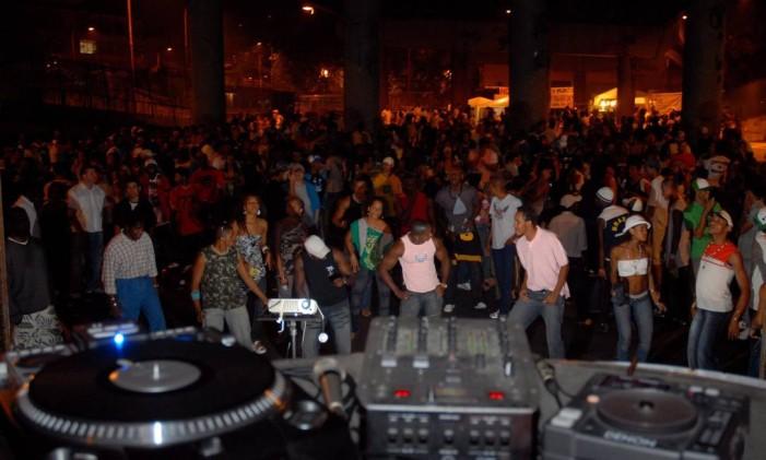 O Baile do Viaduto Negrão de Lima, em Madureira Foto: Marcelo Franco