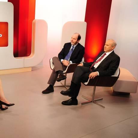 Míriam Leitão faz mediação de debate na GloboNews Foto: João Cotta / TV Globo