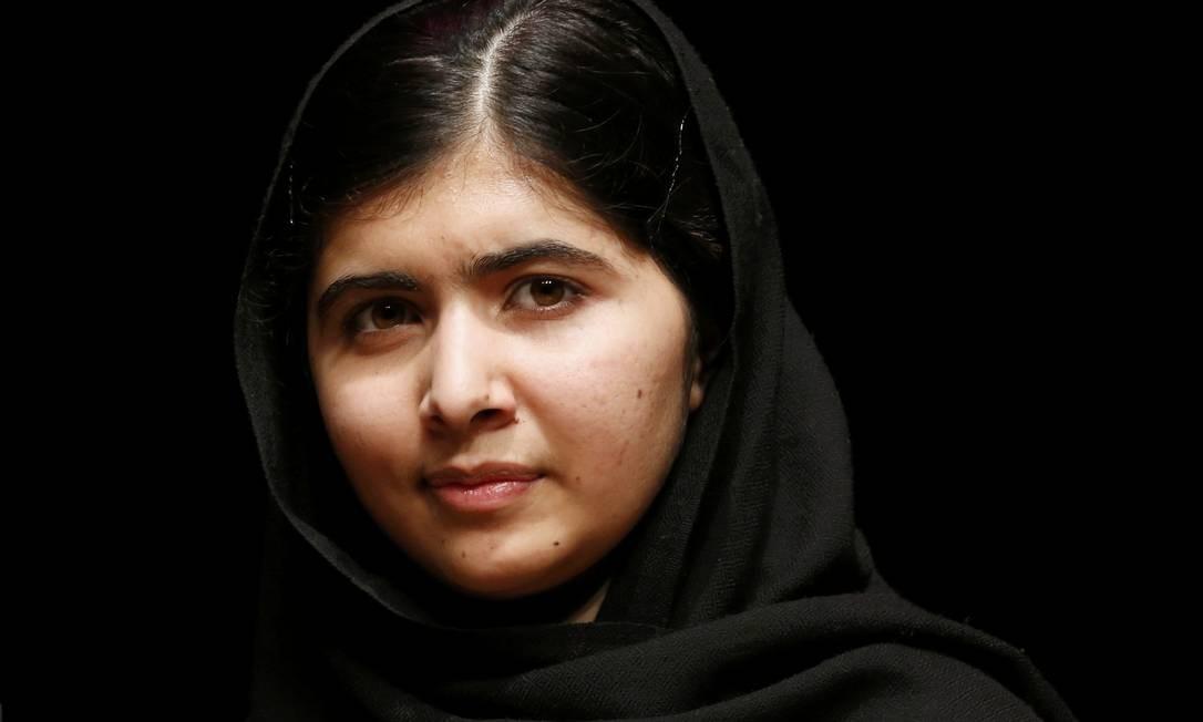 A jovem paquistanesa Malala Yousafzai dividiu o prêmio Nobel da Paz com o indiano Kailash Satyarthi Foto: OLIVIA HARRIS / REUTERS
