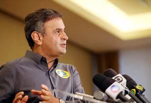 O candidato à Presidência da República Aécio Neves durante entrevista coletiva à imprensa, nesta sexta-feira Foto: Divulgação/Marcos Fernandes