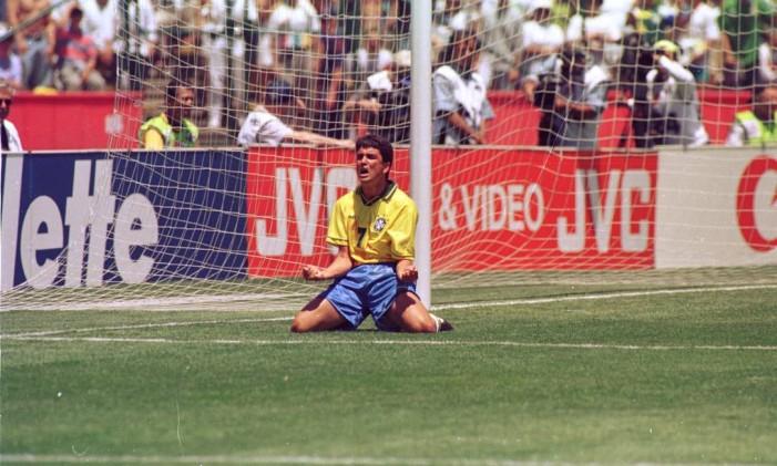 Bebeto comemora um gol pela seleção na Copa dos Estados Unidos Foto: Arquivo