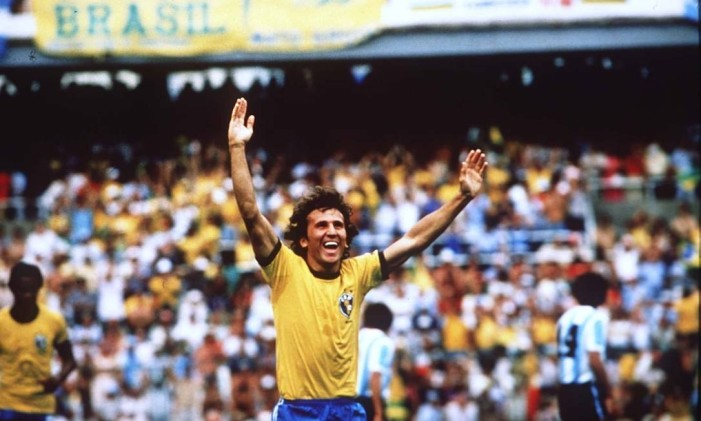 Zico comemora um gol contra a Argentina Foto: Arquivo