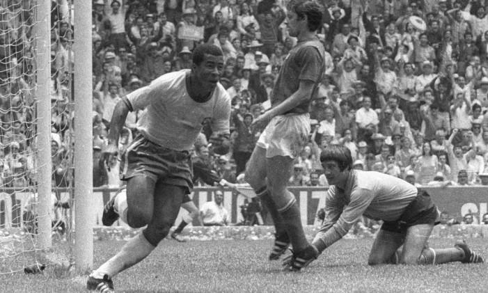 Jairzinho comemora um gol no Mundial do México, em 1970 Foto: Arquivo