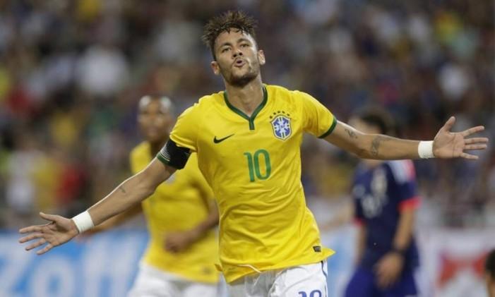 Neymar comemora um dos quatro gols marcados contra o Japão Foto: AP