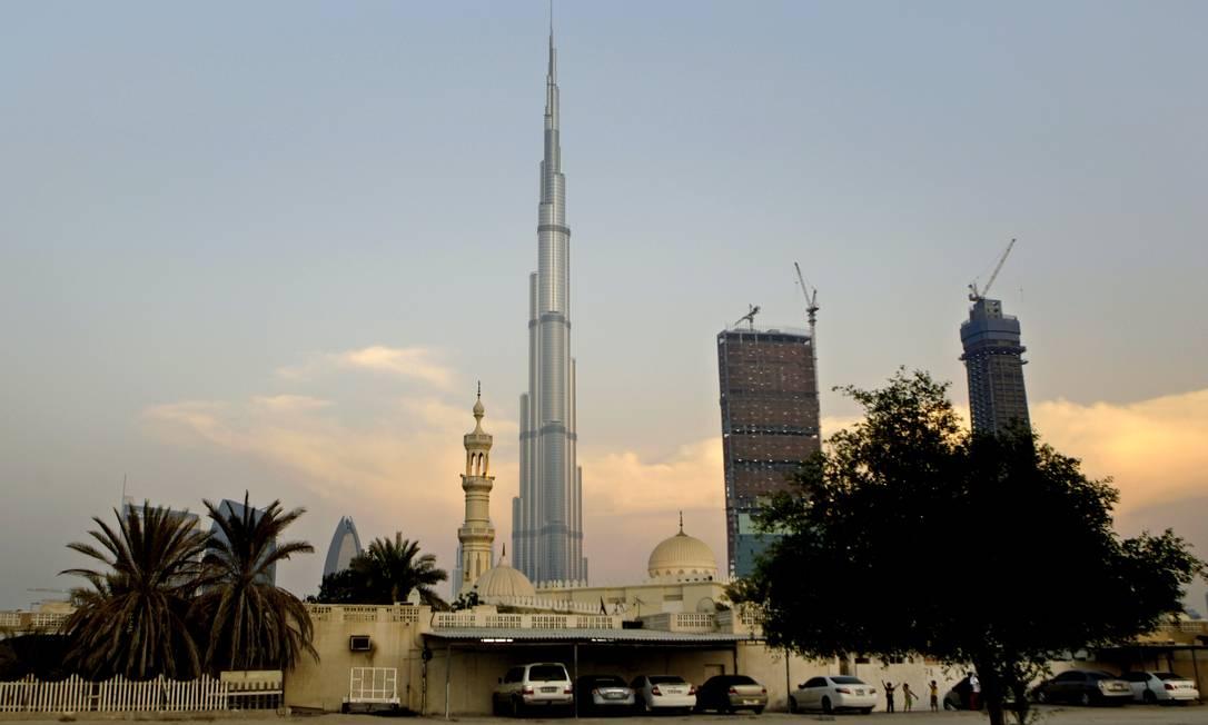 Burj Khalifa é o prédio mais alto do mundo, com 828 metros de altura, em Dubai Foto: Kamran Jebreili / AP