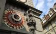 O relógio astronômico da Torre do Relógio é uma das grandes atrações de Berna, a capital da Suíça