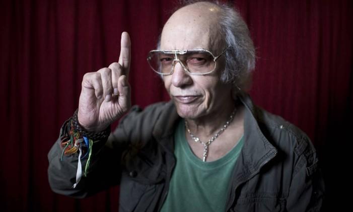 Erasmo tem o rock 'n' roll na alma Foto: Mônica Imbuzeiro / Agência O Globo