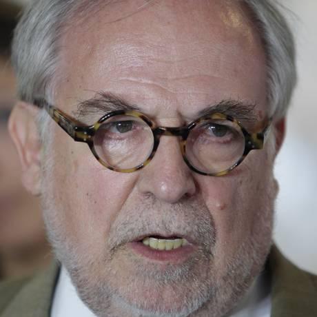 Marco Aurélio Garcia criticou proposta de distanciamento do Mercosul, defendida por Aécio Neves Foto: André Coelho / Agência O Globo