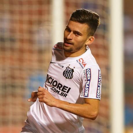 O meia Lucas Lima foi o autor do terceiro gol santista Foto: WAGNER CARMO / Vipcomm