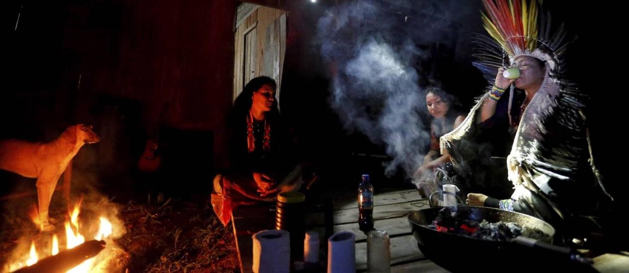 <br /><br /><br /><br /> Ao longo de 12 meses, não se pode tomar água nem comer carne de grandes animais<br /><br /><br /><br /> Foto: Domingos Peixoto / Agência O Globo
